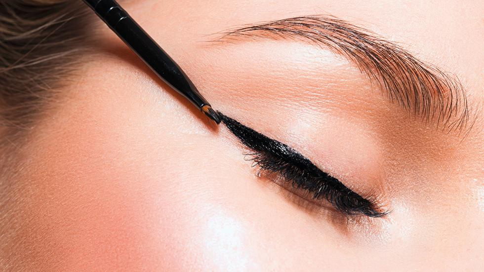How To Define Your Eyes With An Eyeliner Friday Magazine